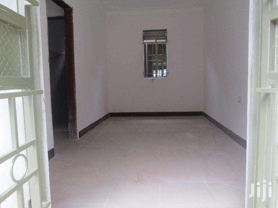 Smart New Self Contained Singles In Kirinya-bweyogerere. | Houses & Apartments For Rent for sale in Kampala, Central Region, Uganda