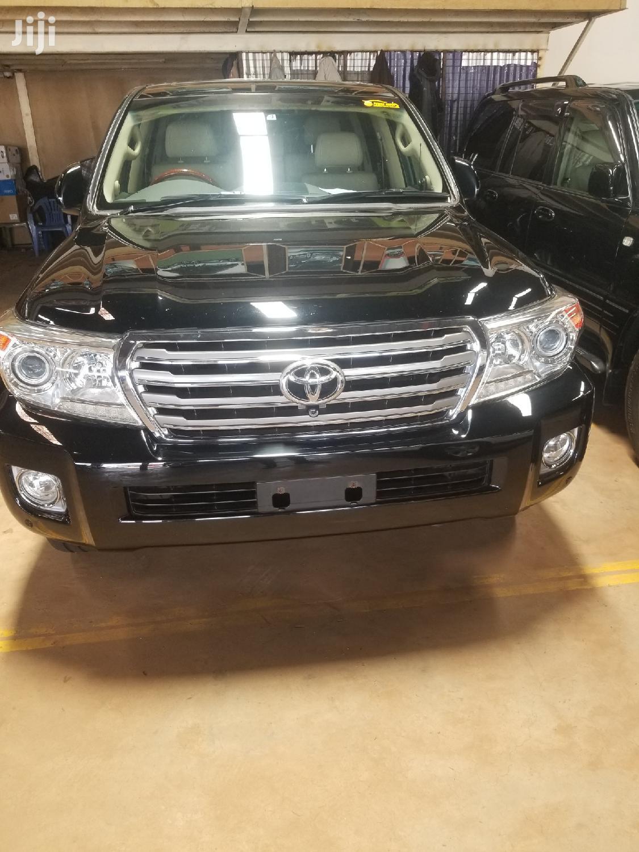 Archive: Toyota Land Cruiser 2012 Black