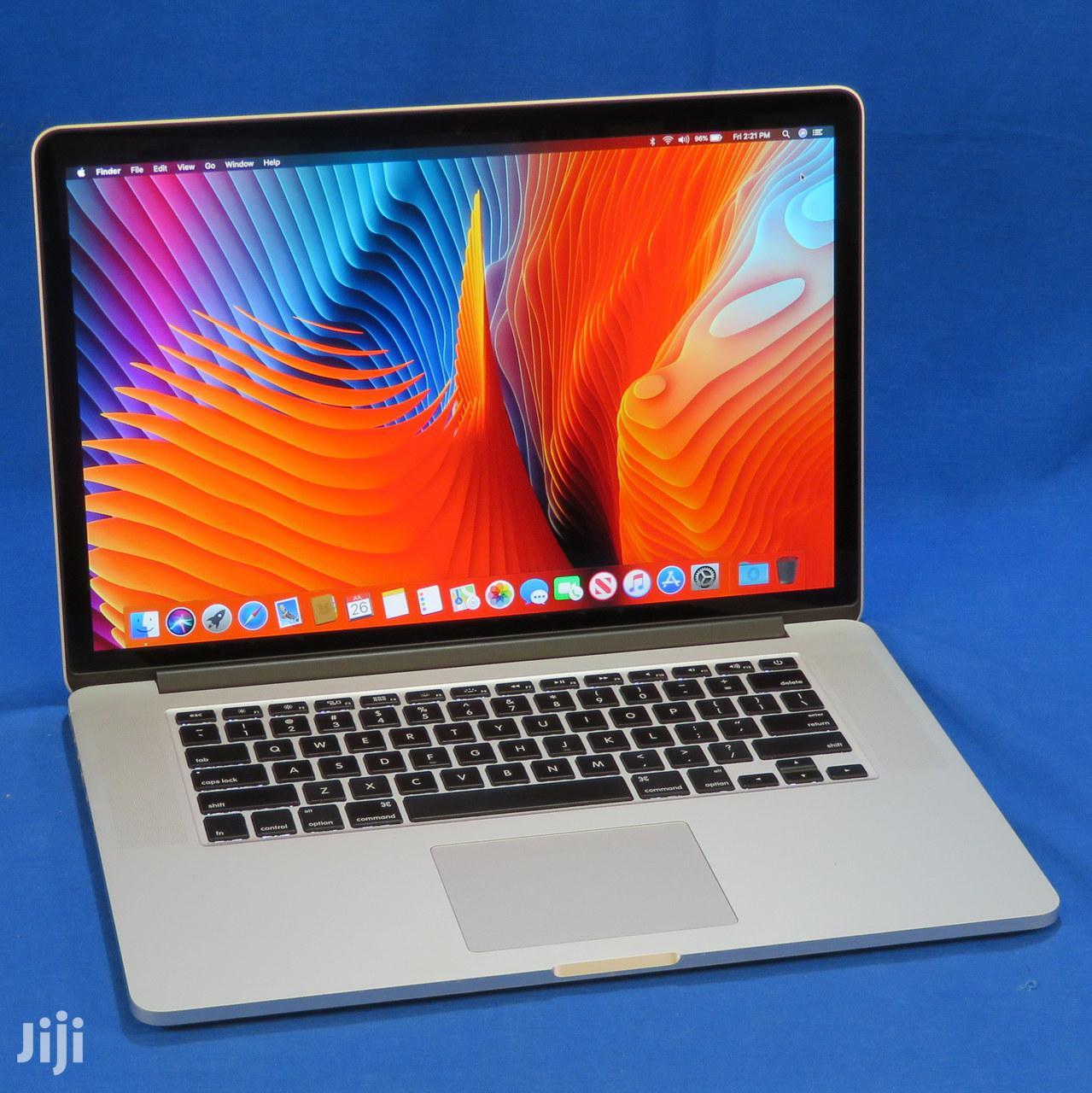 New Laptop Apple MacBook Pro 8GB Intel Core i5 SSD 256GB