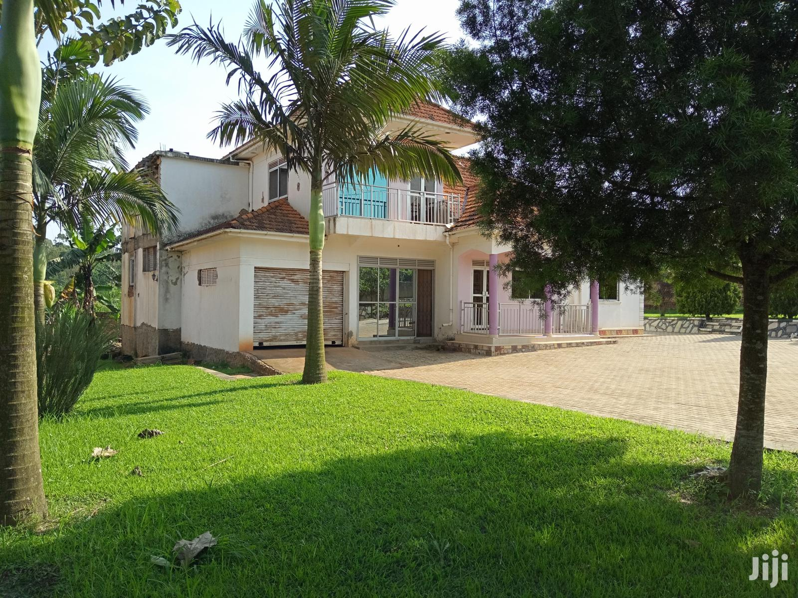 Archive: Half Acre Kira Mansion on Sell