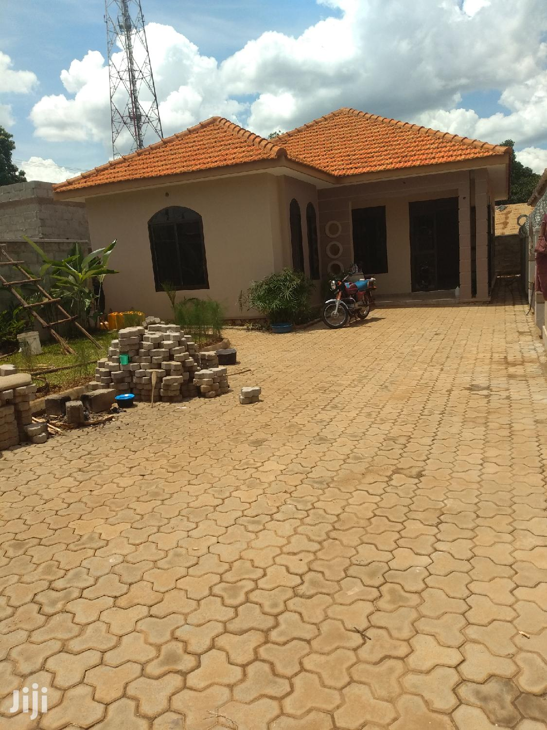 Najjera Three Bedroom House for Sale With Ready Land Title
