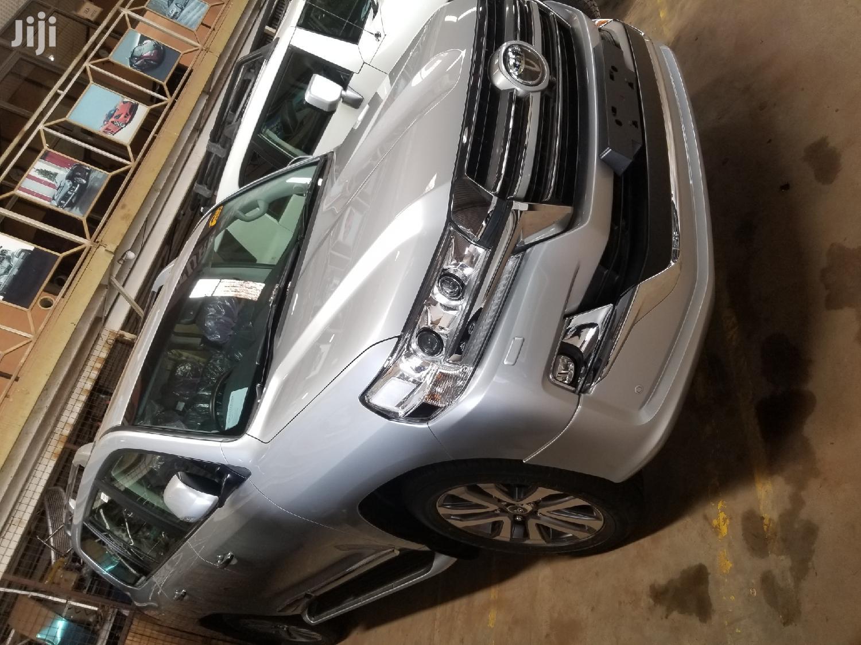 Archive: Toyota Land Cruiser 2019 Gray