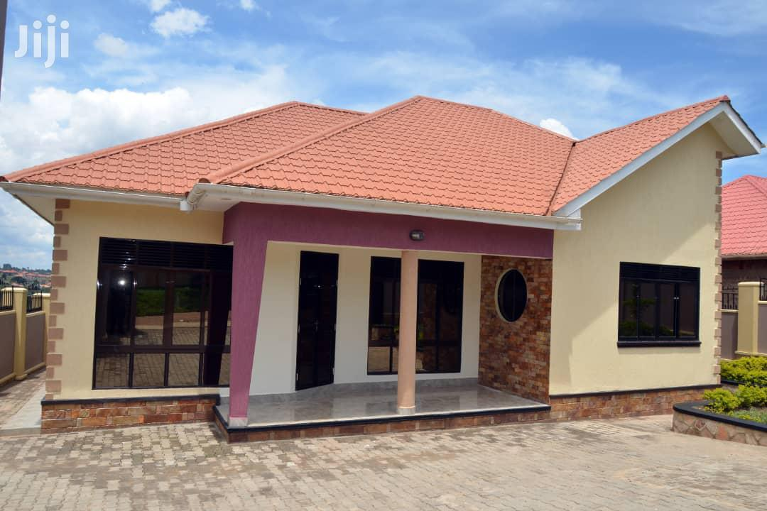 On Sale In Namugongo::3bedrooms,3bathrooms,On 14decimals