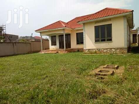 On Sale In Kira::3bedrooms,3bathrooms,On 14decimals Asking
