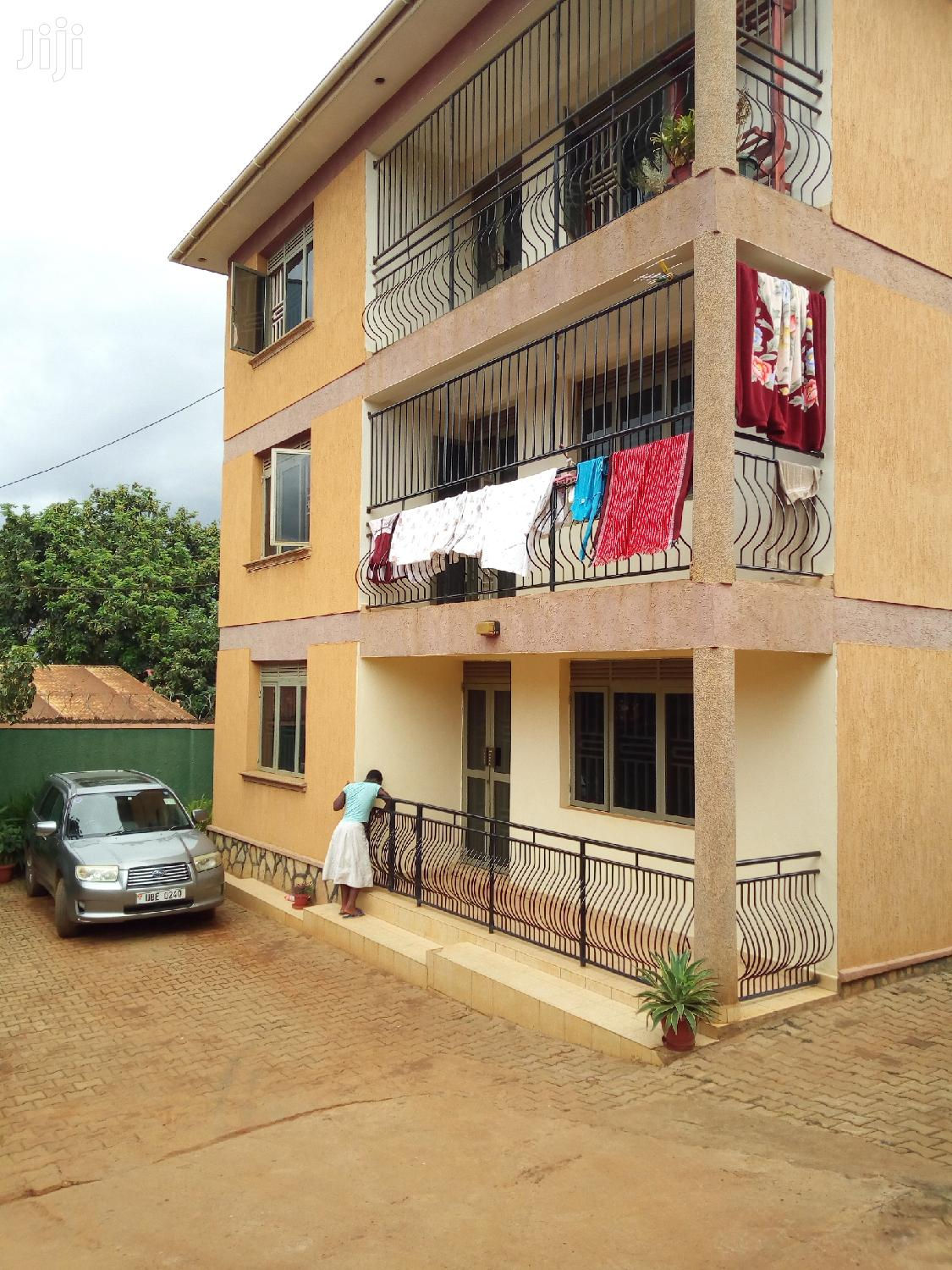 An Apartment 2bedrooms 2 Toilet in Mutungo Up Hill