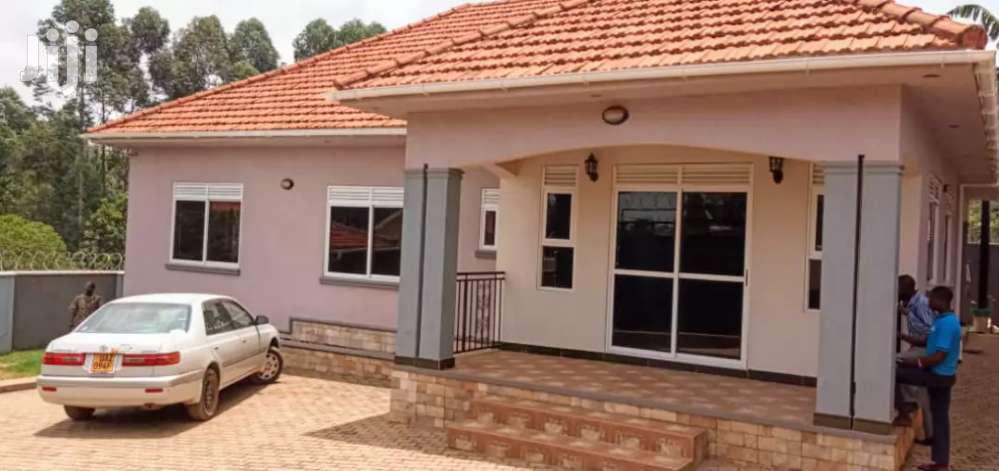 Bungaloo In Kira On Sell