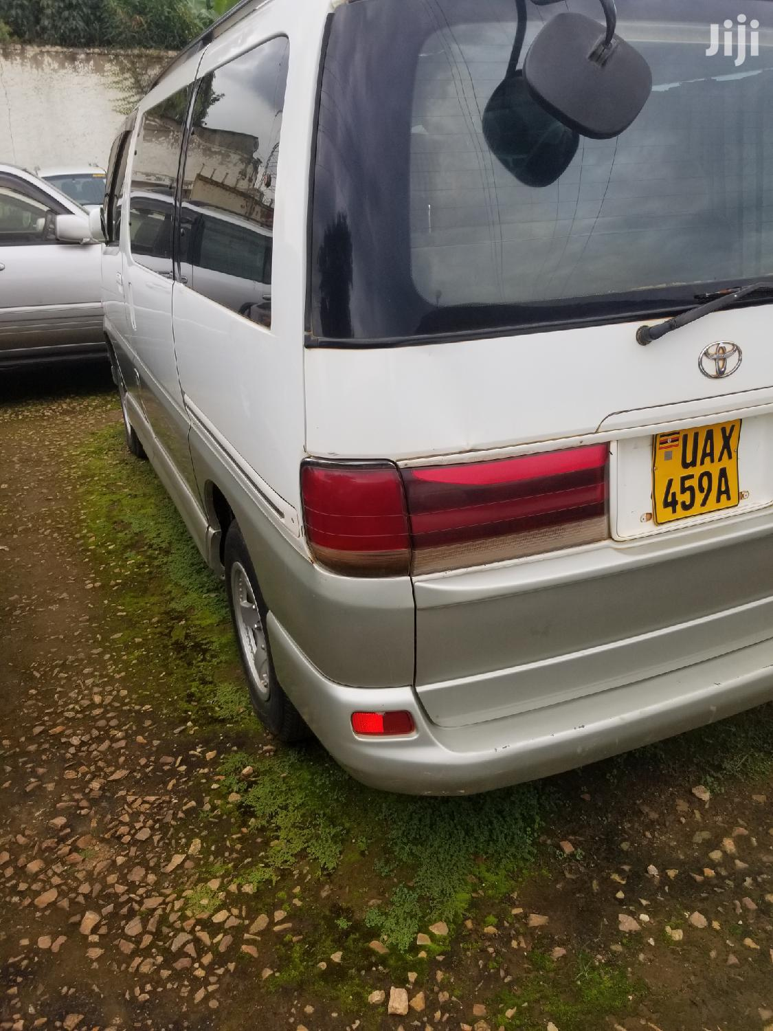 Toyota Regius Model 2001 | Buses & Microbuses for sale in Kampala, Central Region, Uganda