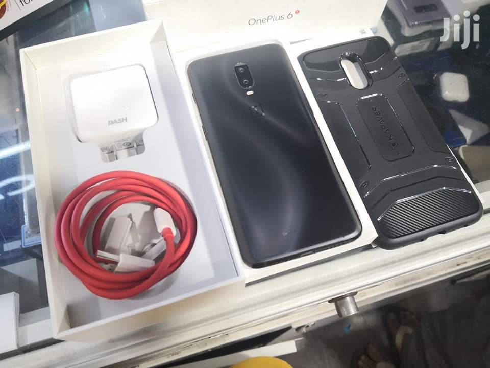 New OnePlus 6T McLaren Edition 256 GB Black   Mobile Phones for sale in Kampala, Central Region, Uganda