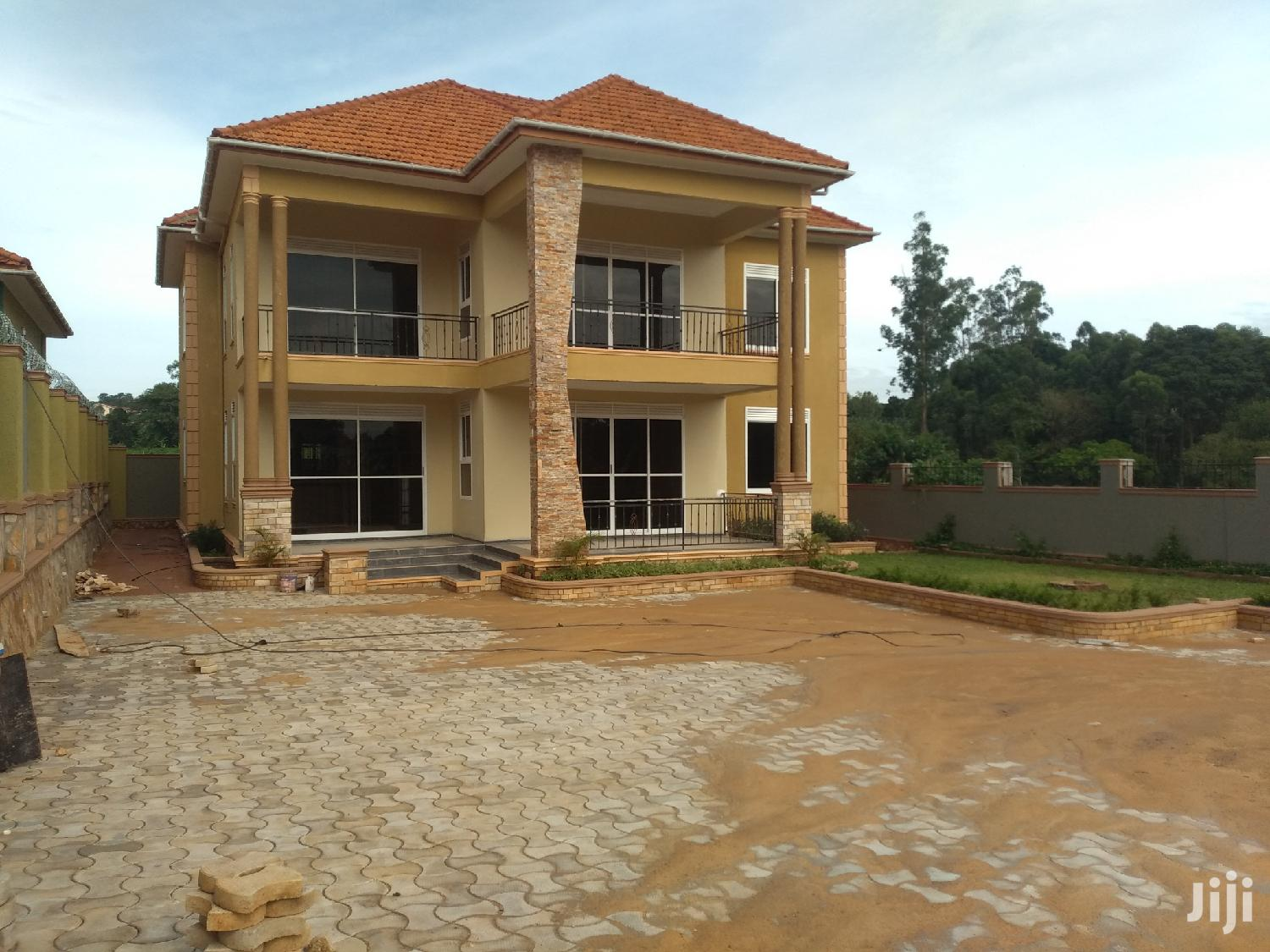 Five Bedrooms Storied House for Sale in Kira With Ready Land Title