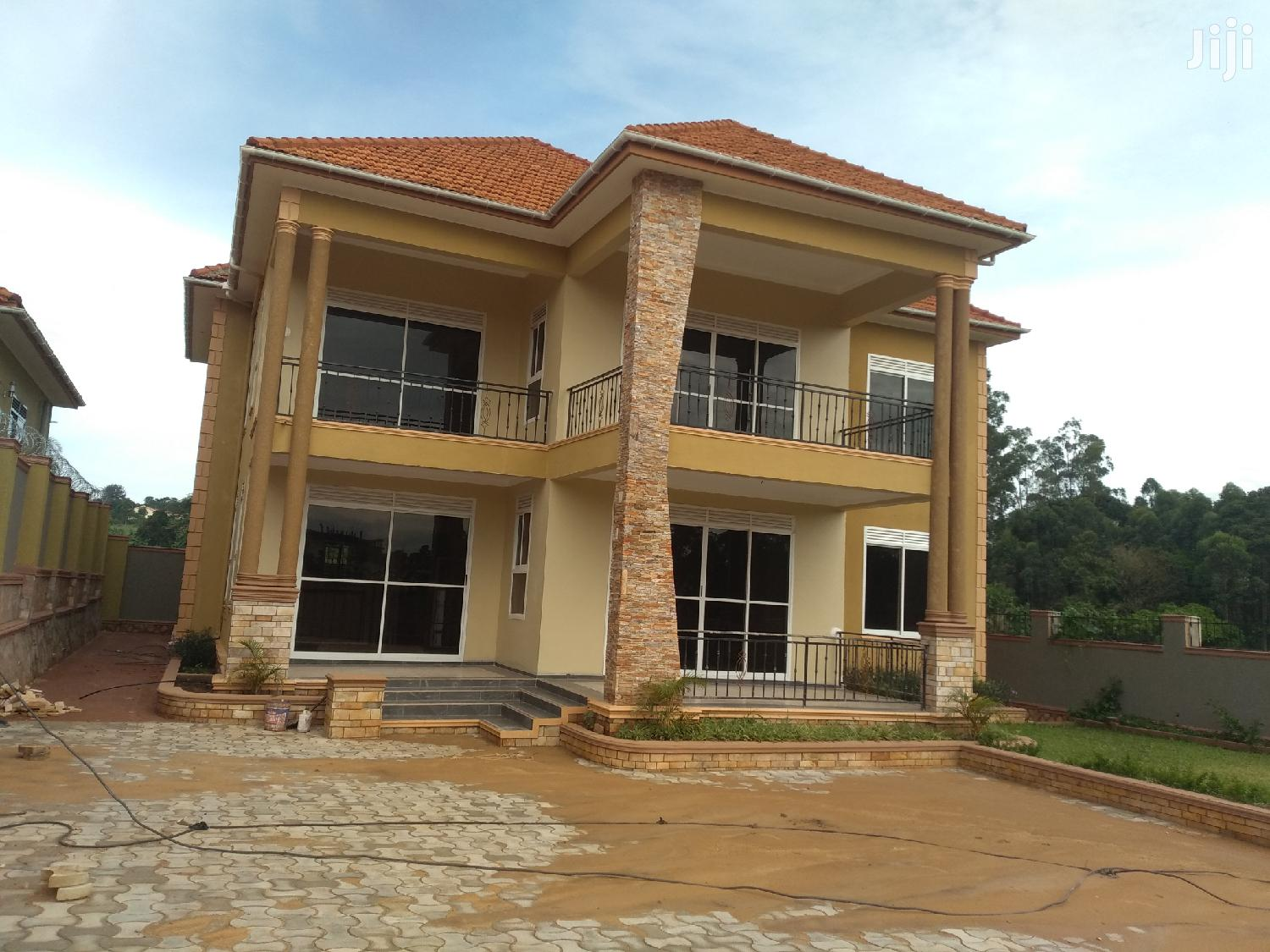Five Bedrooms Storied House for Sale in Kira With Ready Land Title | Houses & Apartments For Sale for sale in Kampala, Central Region, Uganda