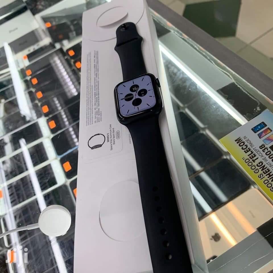 Apple Watch Series 5 ,44mm