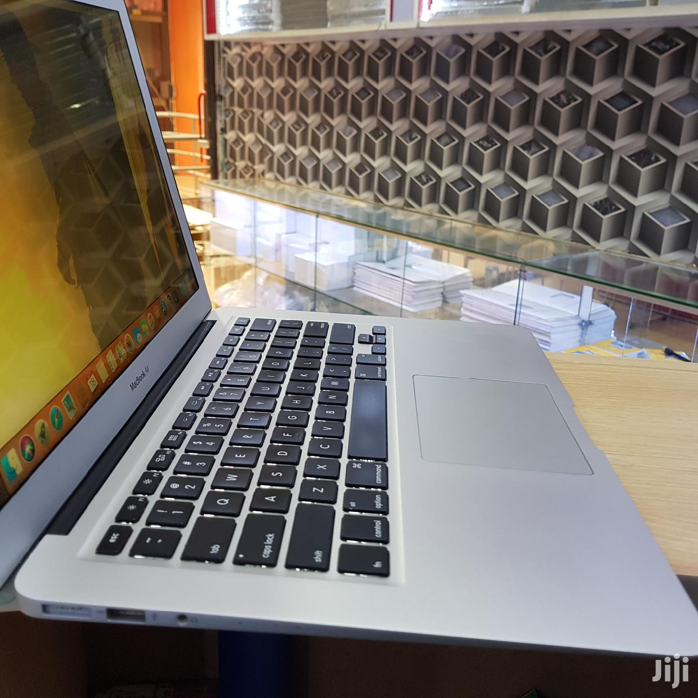 Archive: New Laptop Apple MacBook Air 8GB Intel Core i5 SSD 128GB