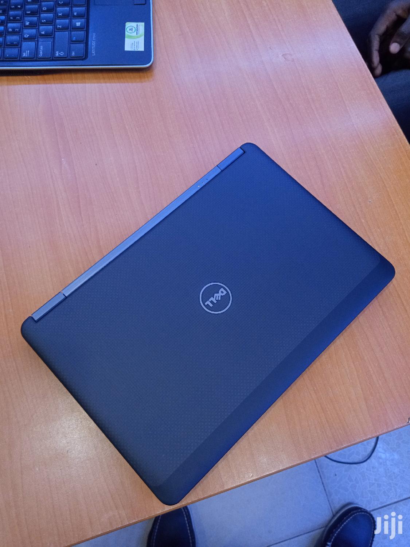 Archive: Laptop Dell 8GB Intel Core i5 SSD 256GB