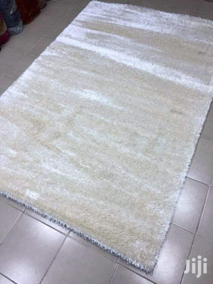 Plain White Shaggy 220*150