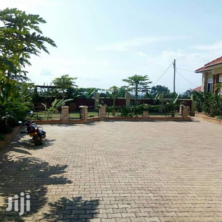 Spacious Bungalow for Sale in Kira House With Title | Houses & Apartments For Sale for sale in Kampala, Central Region, Uganda