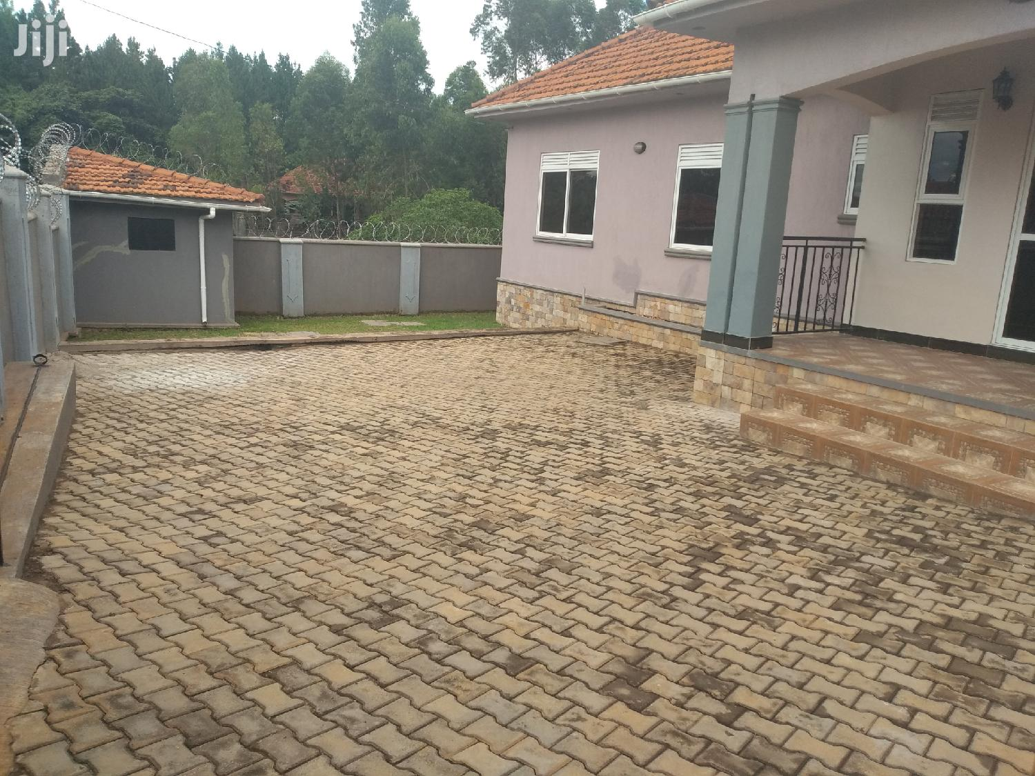 Kira Splendid House for Sale With Ready Title | Houses & Apartments For Sale for sale in Kampala, Central Region, Uganda