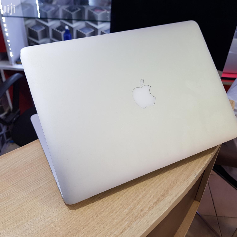 New Laptop Apple MacBook Air 8GB Intel Core i5 SSD 128GB