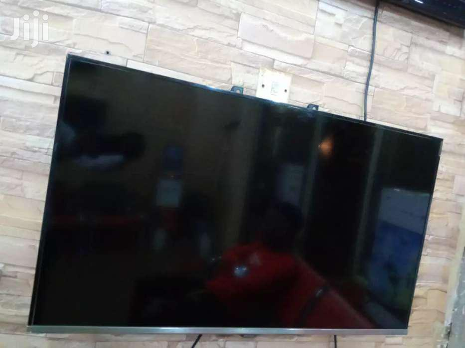 Samsung Flat Screen TV 43 Inches