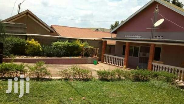 Three Bedroom House In Kireka Agenda For Sale