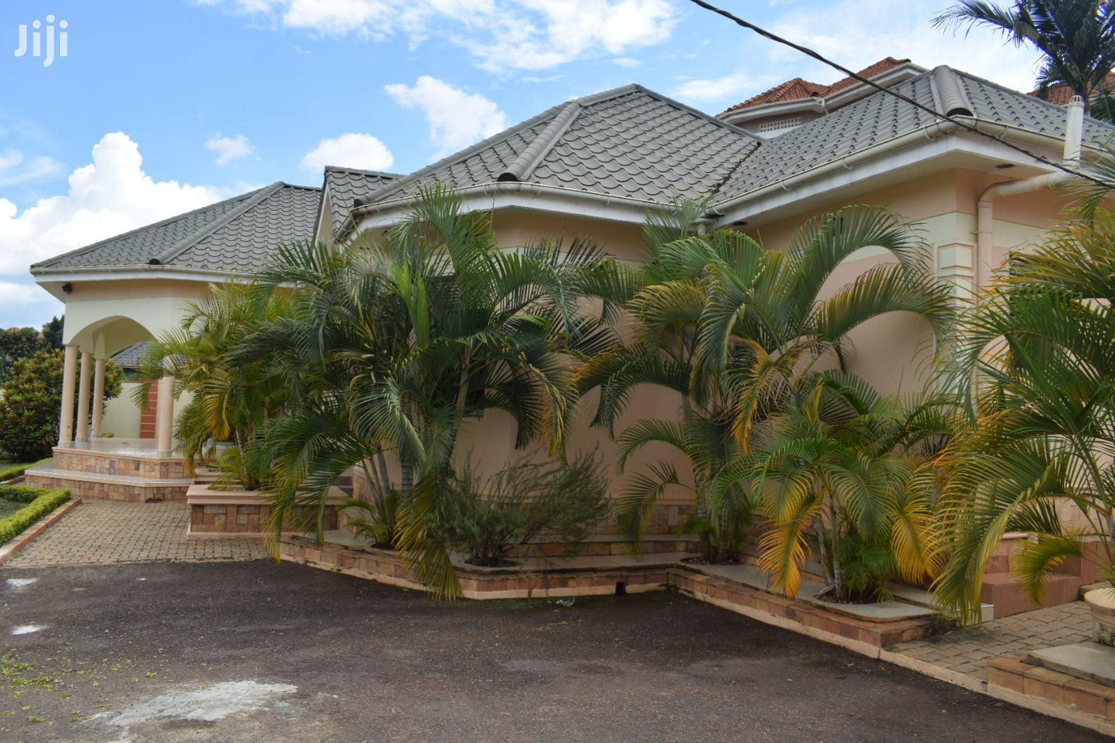 Archive: 4bedroom House for Rent in Kira