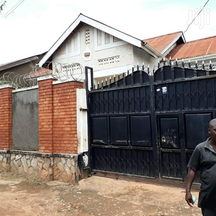 3bedroom Home for Sale in Makindye Luwafu