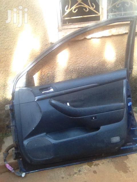 Avensis Door Covers