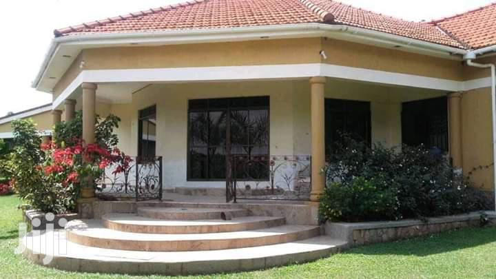 Archive: A Three Bedrooms Standalone for Rent in Kiwatule