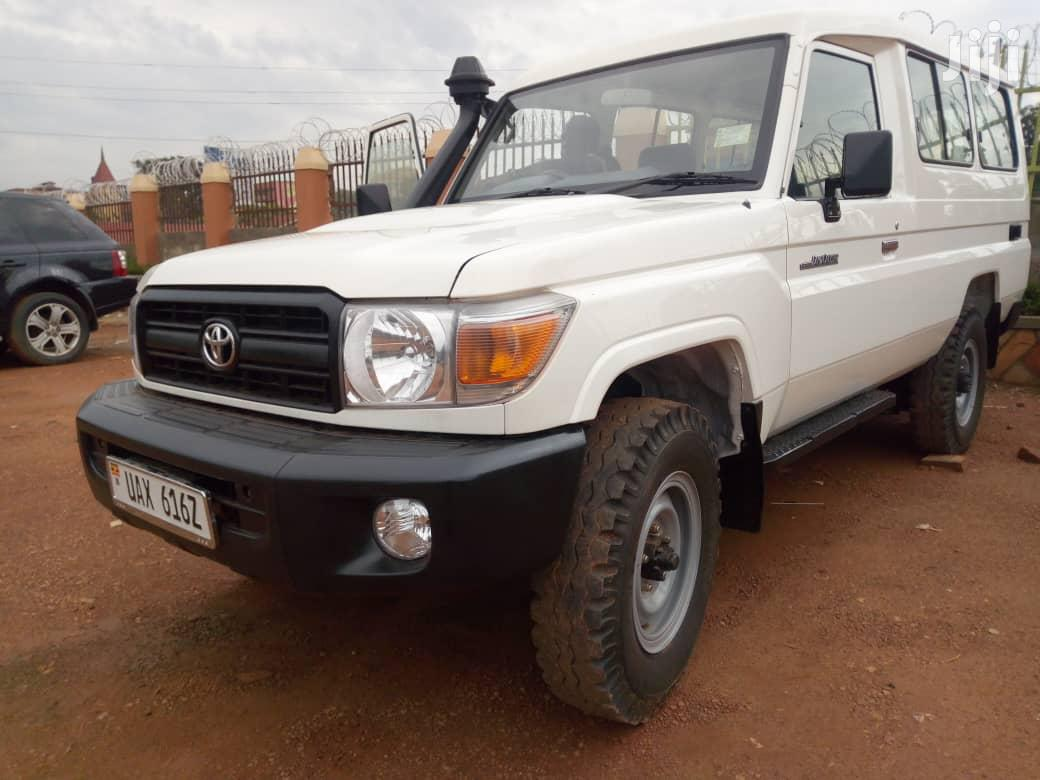 Archive: Toyota Land Cruiser 2013 White