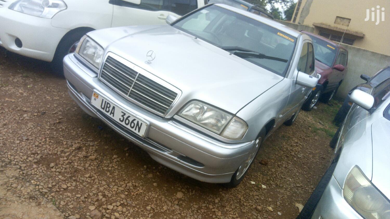 Mercedes-Benz C200 2002 Silver