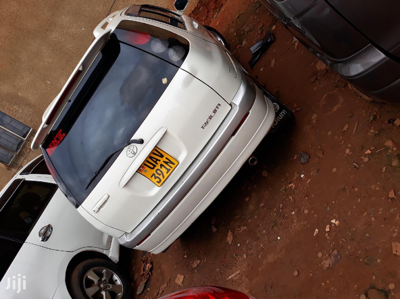 Toyota Raum 2000 White   Cars for sale in Kampala, Central Region, Uganda
