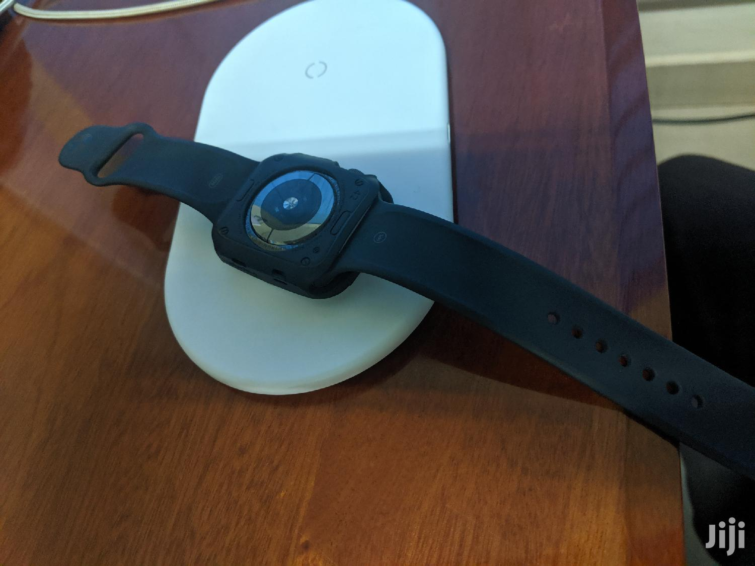 Apple Watch Series 4 | Smart Watches & Trackers for sale in Kampala, Central Region, Uganda