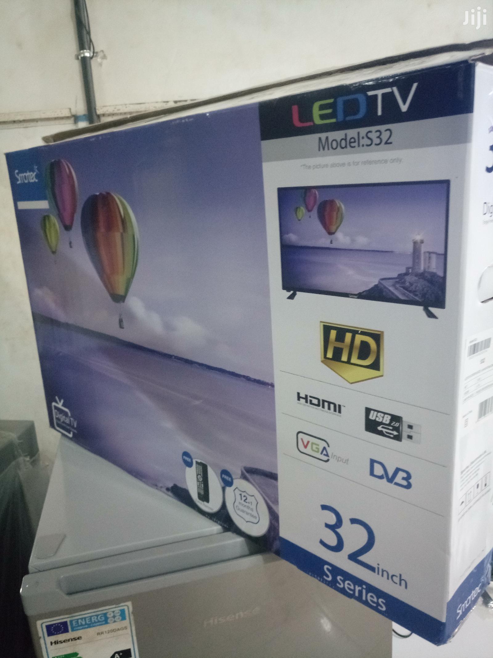 """SMARTEC 32"""" Flat Screen Digital TV"""
