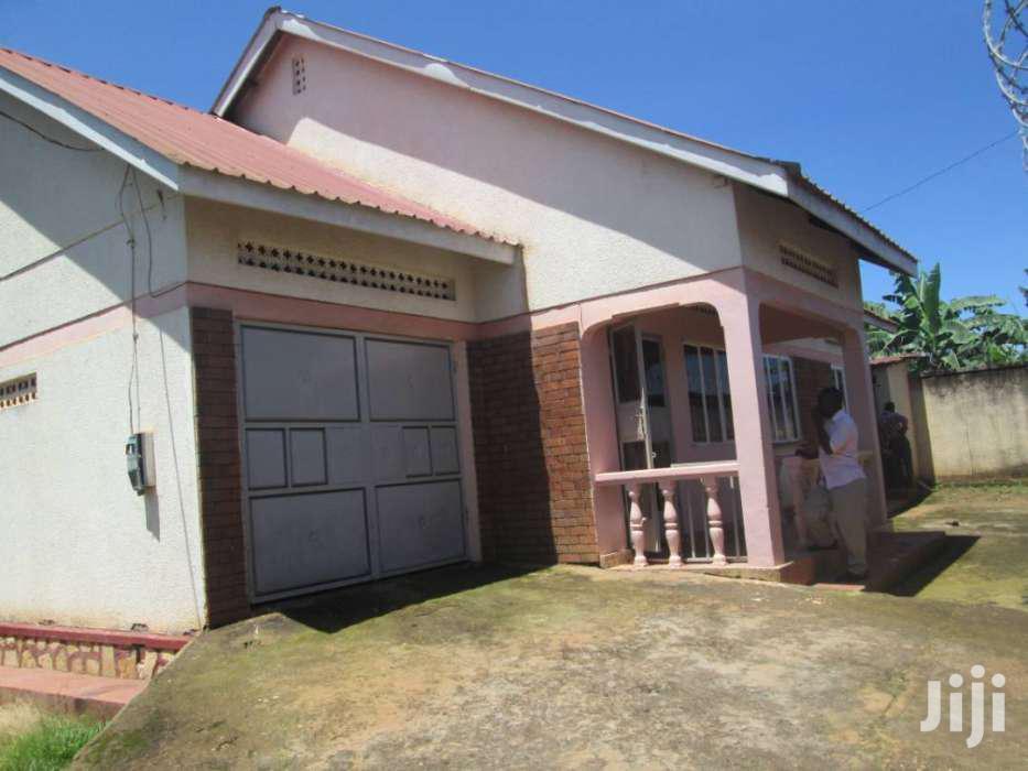 Archive: Three Bedroom House In Kirinya Bukasa Road For Rent