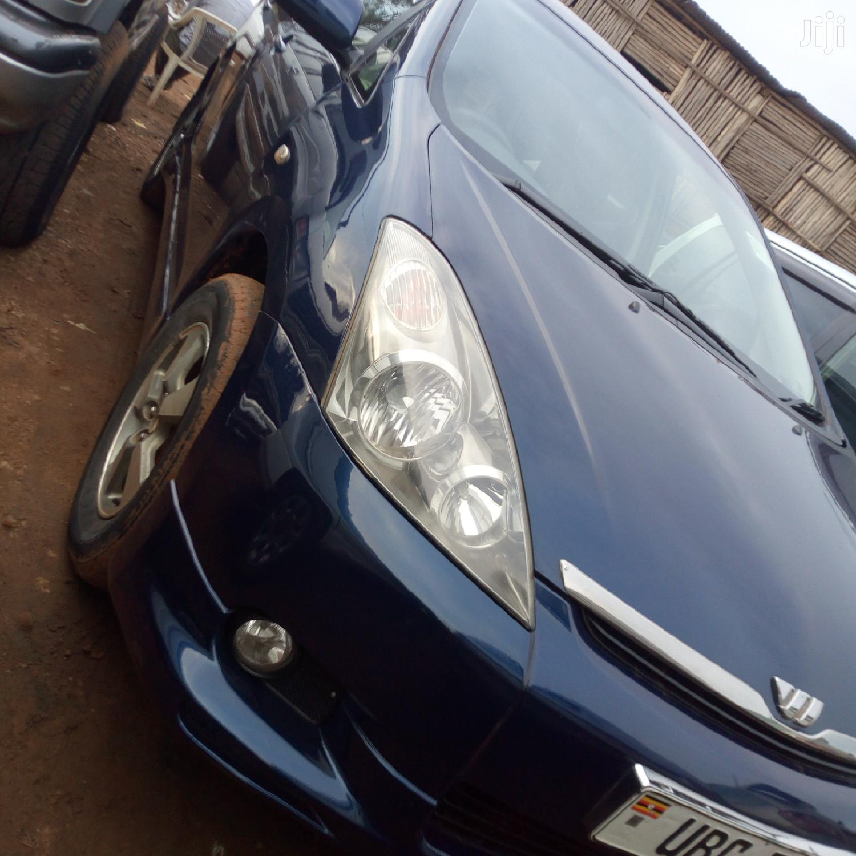 Archive: Toyota Wish 2005 Blue