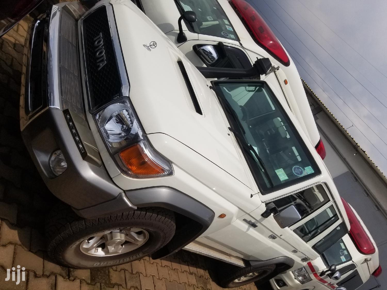 Toyota Land Cruiser 2018 White