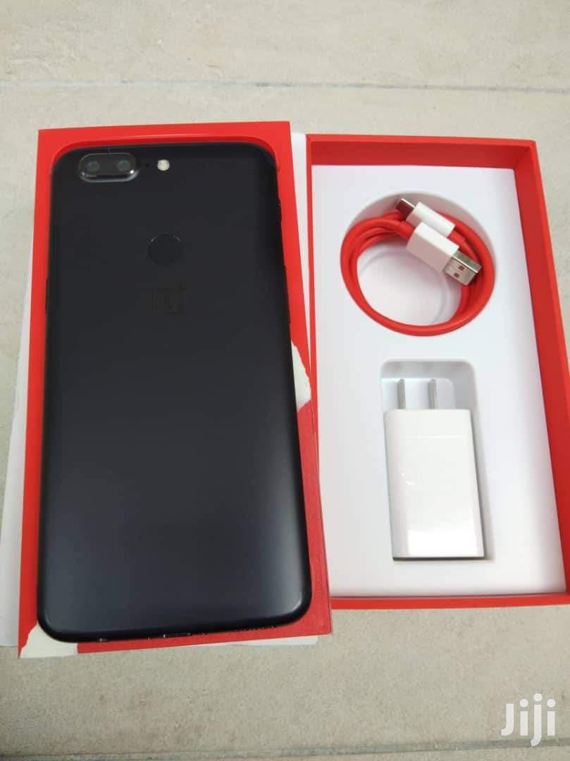 OnePlus 5T 128 GB Black