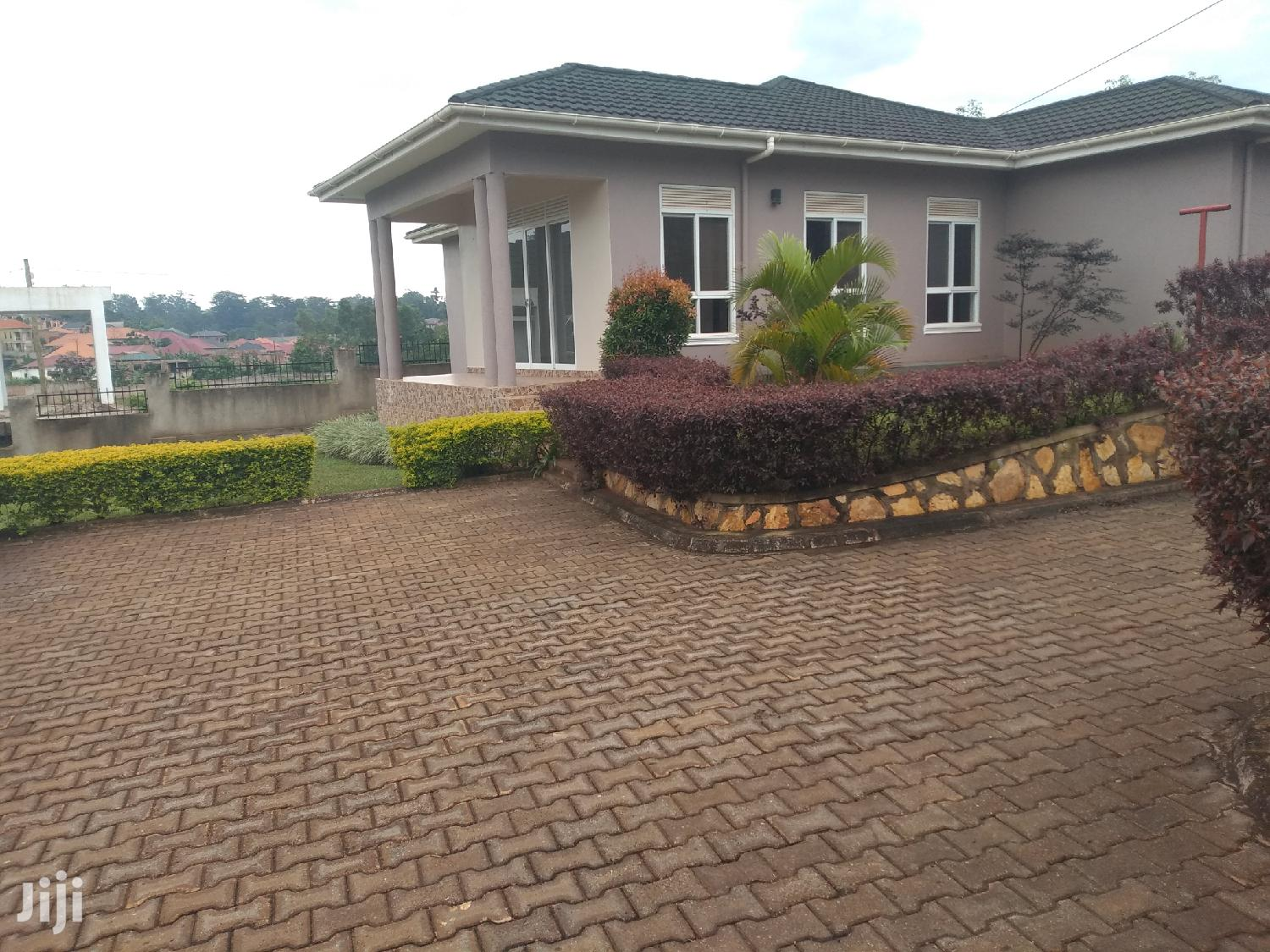 Estate House For Sale Kira Four Bedrooms With Ready Land Title
