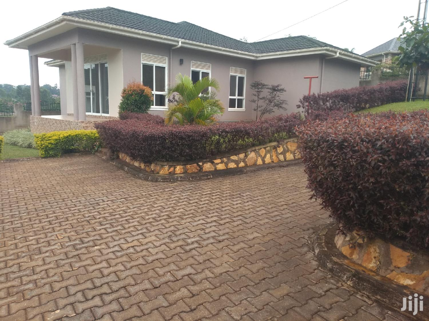Estate House For Sale Kira Four Bedrooms With Ready Land Title | Houses & Apartments For Sale for sale in Kampala, Central Region, Uganda