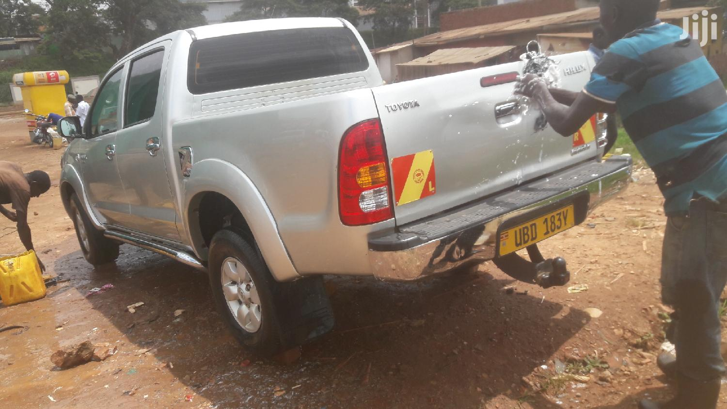 Archive: Toyota Hilux 2006 Silver