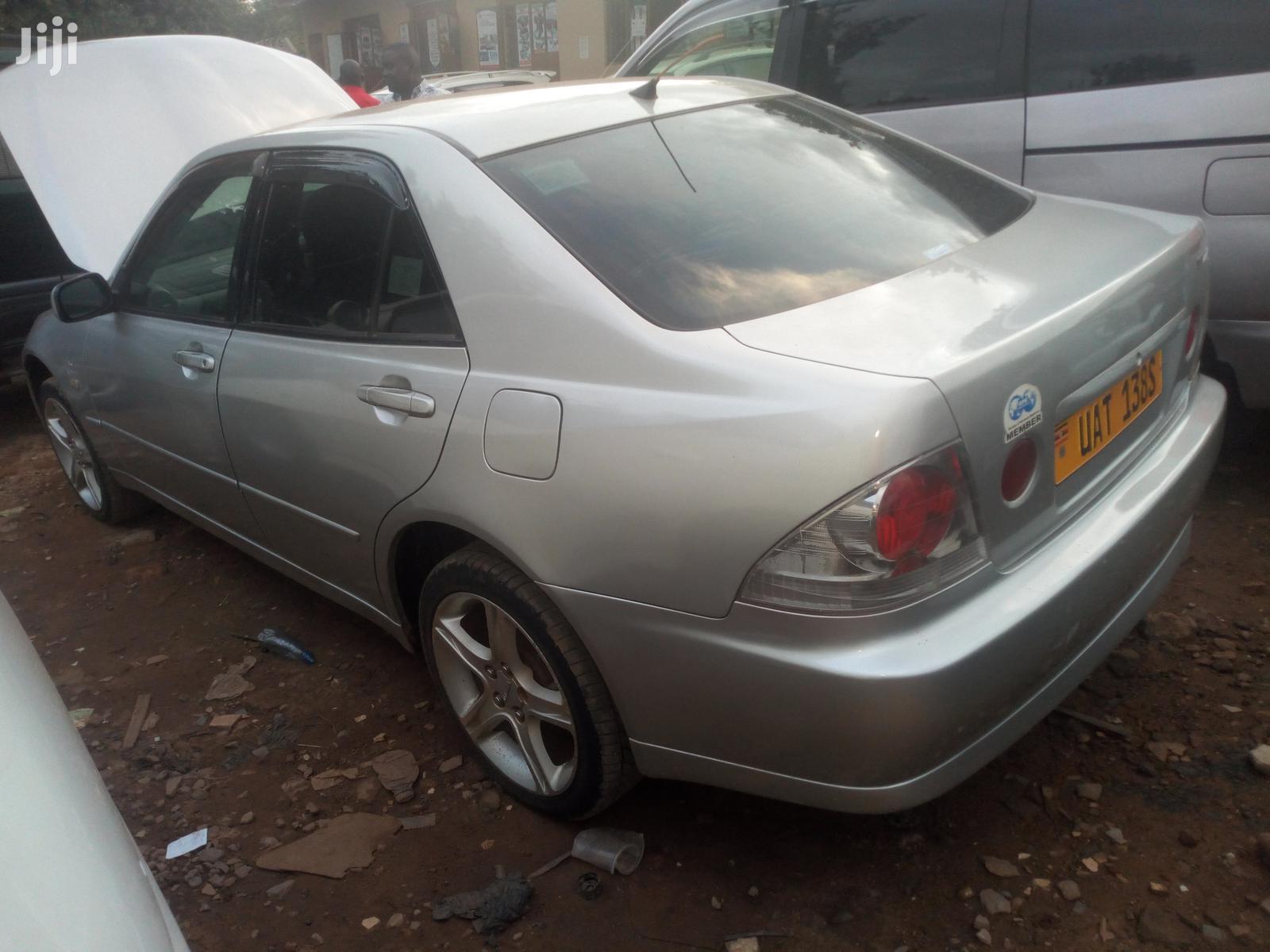 Archive: Toyota Altezza 2003 Silver