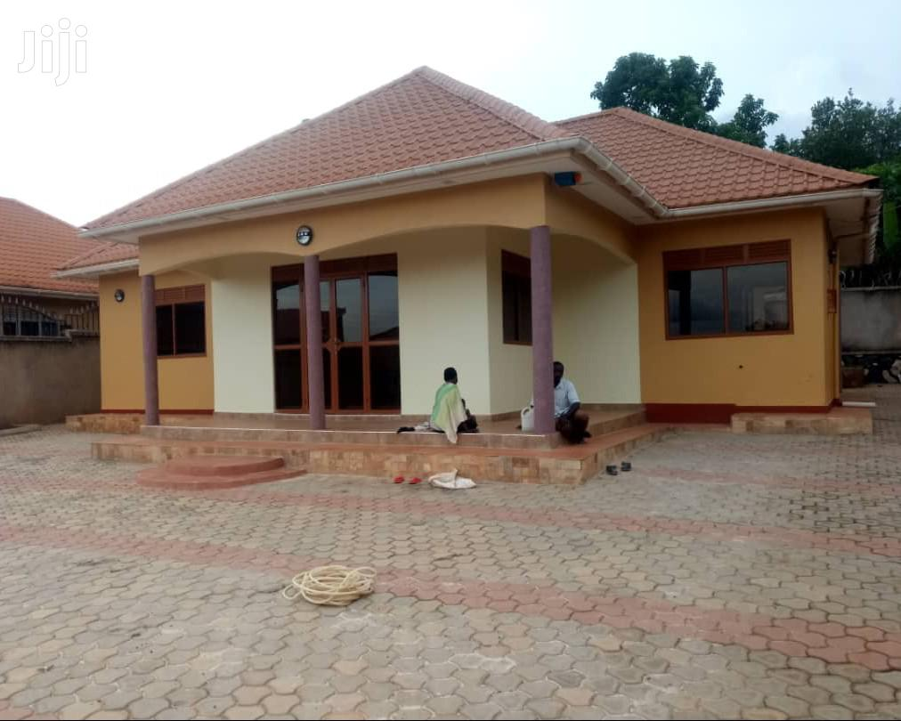 Najjera New House And 4 Bedrooms Standalone House