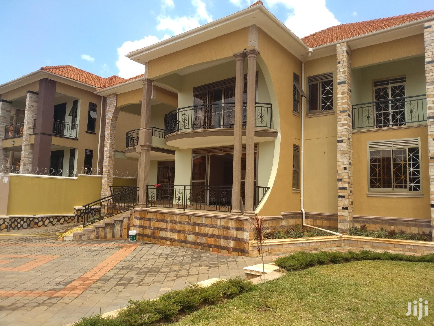 Kira Ntinda Road for Sale With Ready Land Title