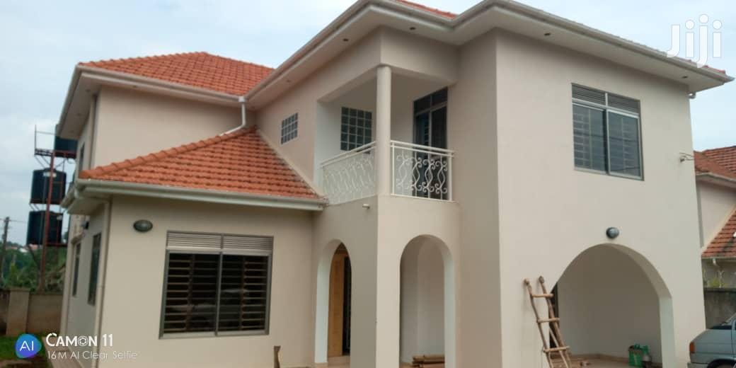 Four Bedroom Mansion In Kira Kito For Rent