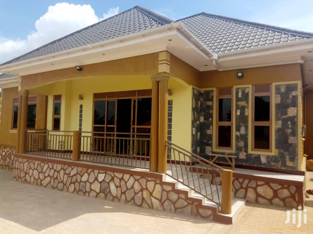 Three Bedroom House In Bwebajja Entebbe Road For Sale