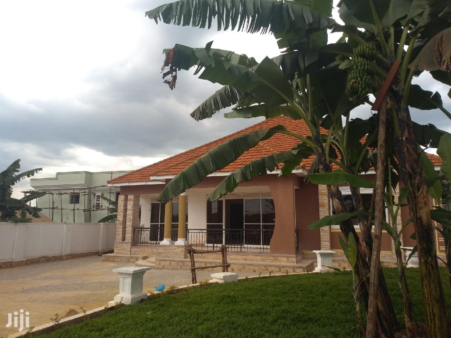 Bungalow for Sale in Najjera With Ready Land Title | Houses & Apartments For Sale for sale in Kampala, Central Region, Uganda