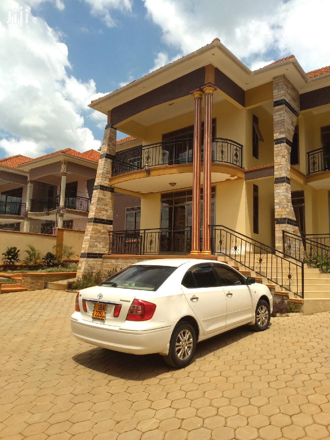 Great Kira House for Sale With Ready Land Title