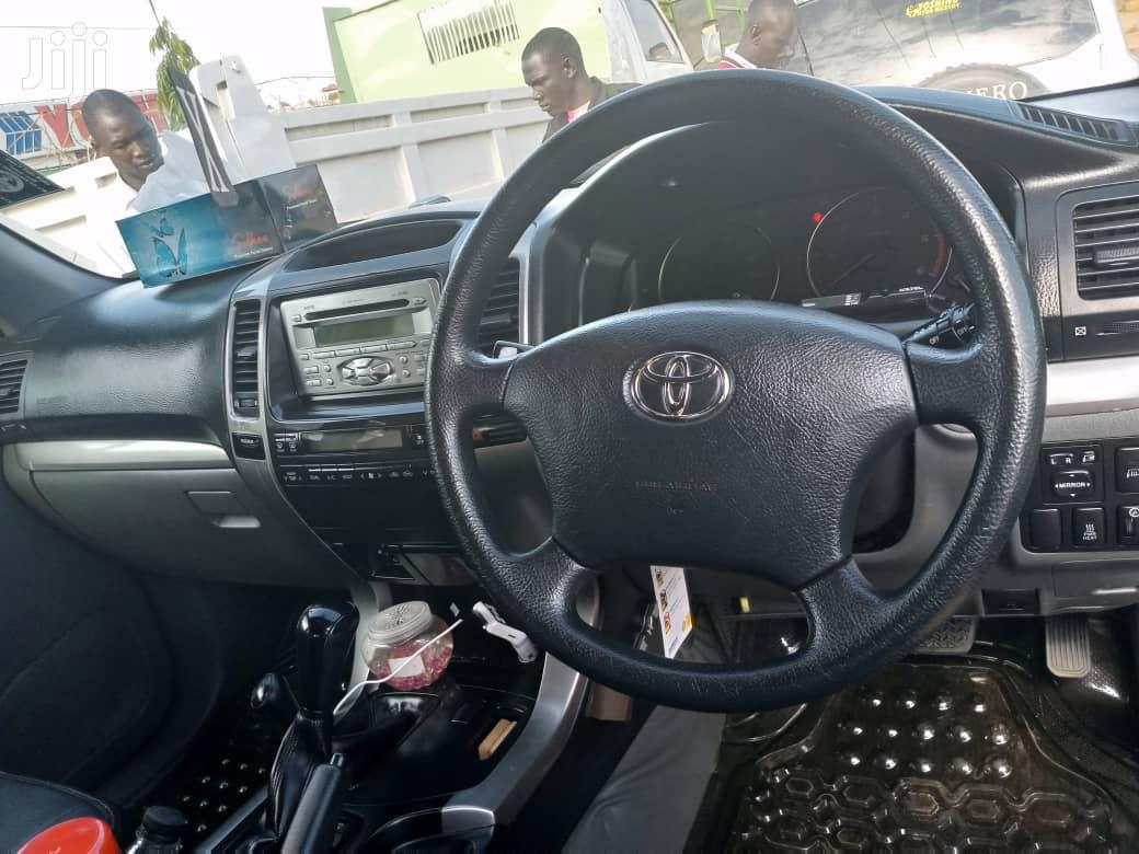 Archive: Toyota Land Cruiser 2008 Gray