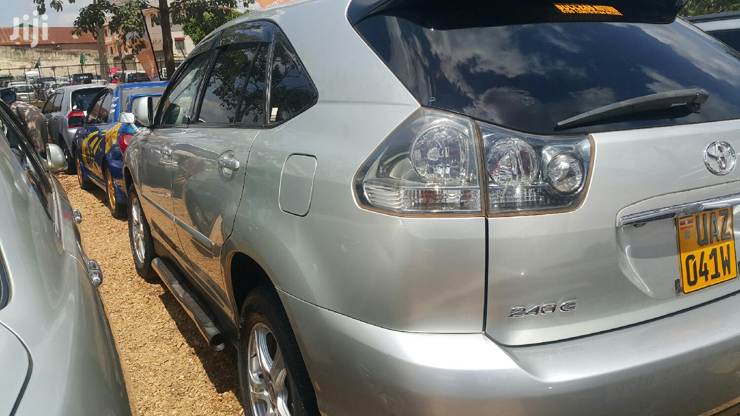 Archive: Toyota Harrier 2004 Silver