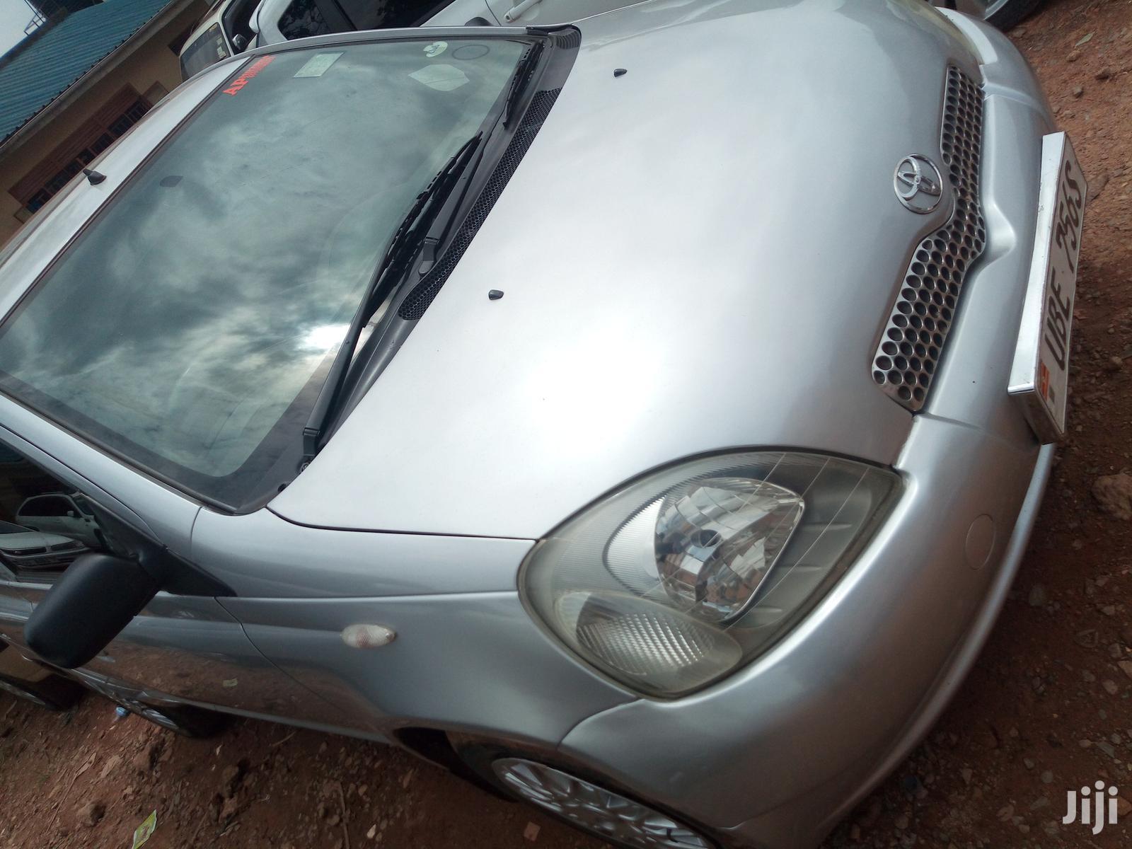 Archive: Toyota Vitz 2002 Gray