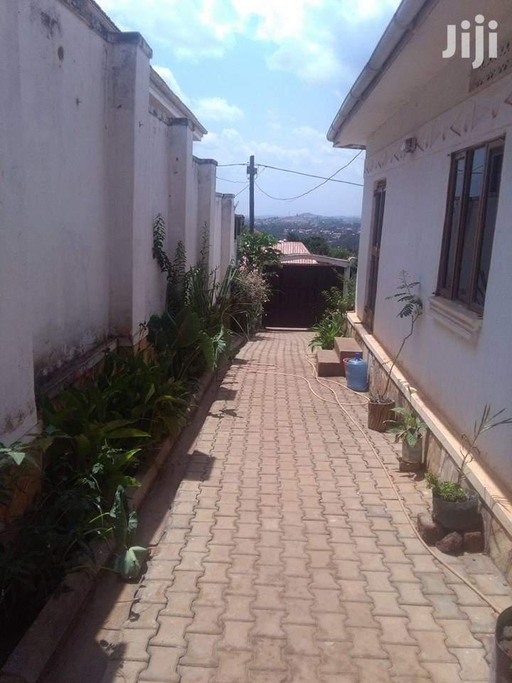 On Sale::3bedrooms 2bathrooms On 15decimal In JOMAYA-NALUMUNYE | Houses & Apartments For Sale for sale in Kampala, Central Region, Uganda